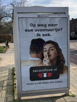 Bushokje Second Love Poster